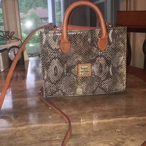 Dooney and Bourke purse cross body